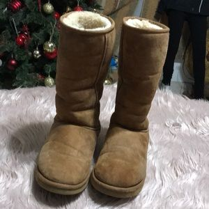 UGG Tall size 9